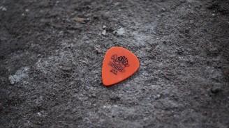 14-guitar-pick